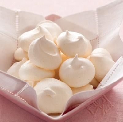 basic-meringues-9945_l