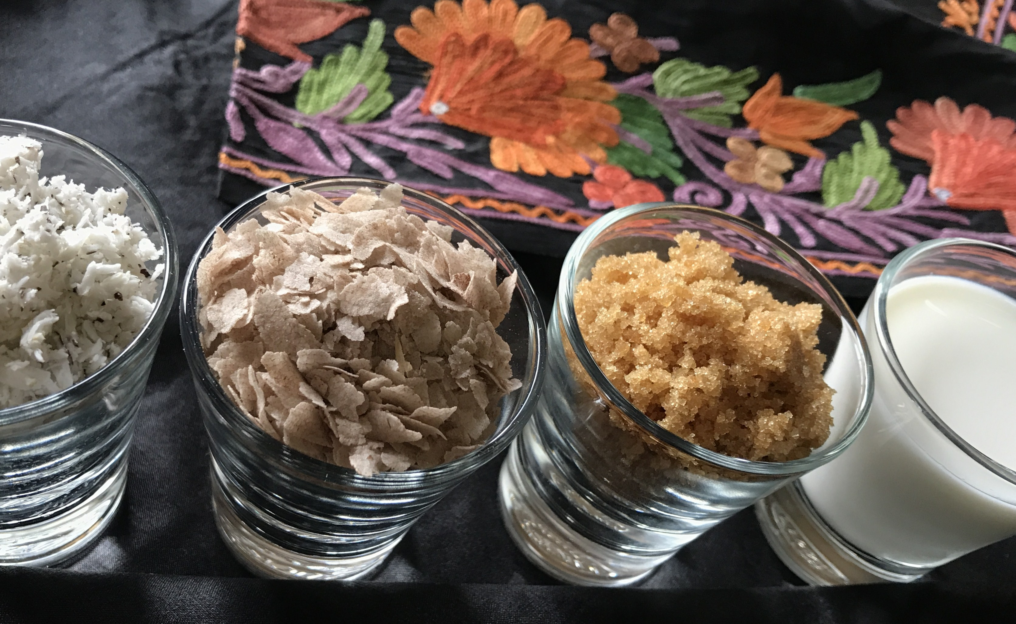 Sweet milk with Fruit and Flattened Rice or Rice Flakes